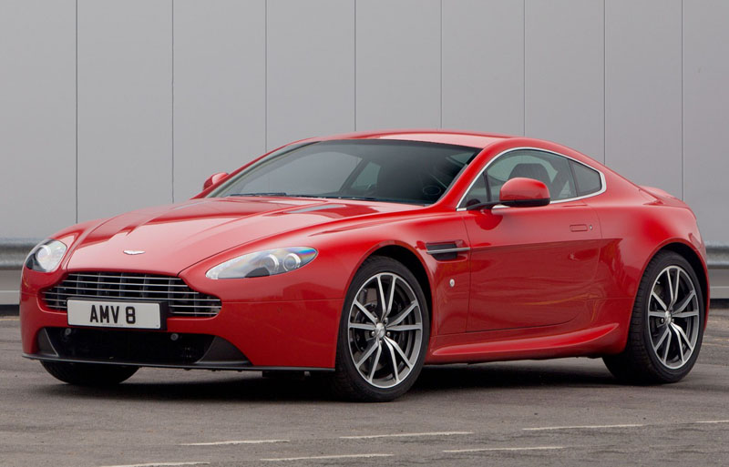 AstonMartinVantageV8-2016-1
